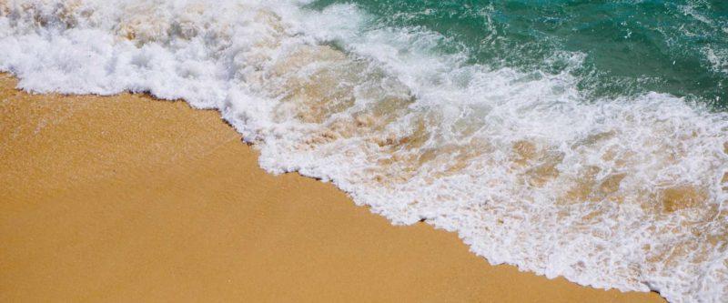 ocean waves & beach